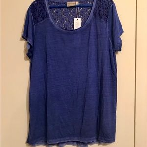 NWT Dantelle blue t-shirt distressed size 2X